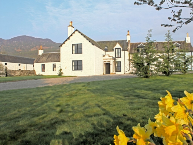 Magnificent 5 Bedroom Holiday Lettings In Scottish Highlands Scotland Download Free Architecture Designs Scobabritishbridgeorg