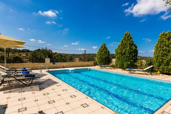 Villa Eleftherna Eleftherna Holiday Villa Crete And Surrounds Greece